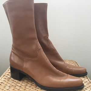 NWOT Buttery soft Franco Sarto camel boots. Size 8